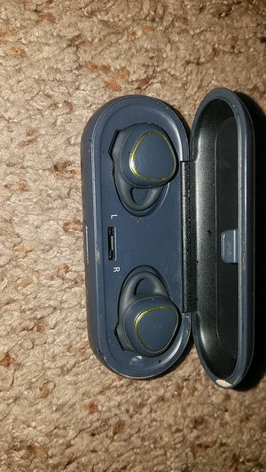 Samsung Gear Bluetooth Headphones for Sale in Wichita, KS
