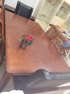 table with extension and chairs for Sale in Oakland Park, FL