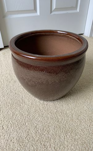 Brown Flower pot for Sale in Kissimmee, FL