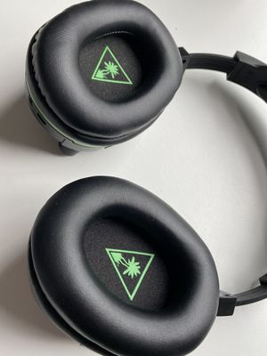 Turtle Beach Stealth 700 Premium Wireless Surround Sound Gaming Headset: Xbox One for Sale in Silver Spring, MD