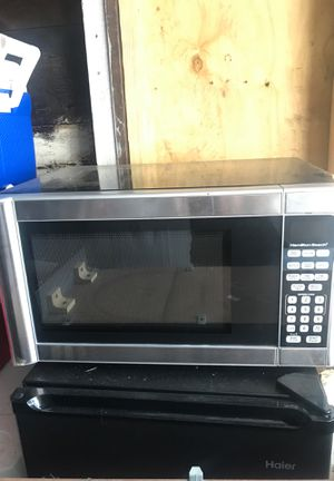 Microwave for Sale in Lynn, MA