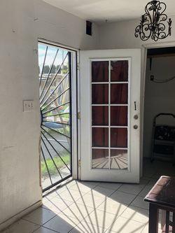 Muy Bonito Cuarto Y Baño for Sale in San Bernardino,  CA