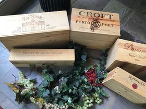 Vintage Wine Boxes (Variety of Box Sizes) and Grape Vines for Sale in Neenah, WI