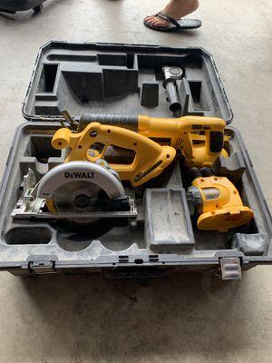 Dewalt 18v skill saw, saw zaw and flashlight combo kit for Sale in Brookfield, CT