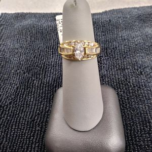 Gorgeous Size 6 14k Diamond Ring for Sale in Lafayette, CO