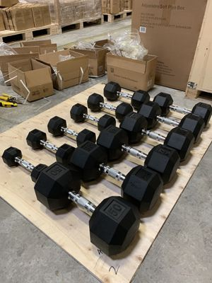 New Rubber Coated Dumbbells 5-50lbs for Sale in Avon, MA