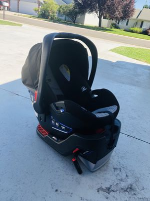 Britax B-SAFE INFANT car seat for Sale in Meridian, ID