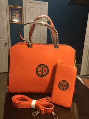 New DS Handbag and matching Wallet Set for Sale in Charlotte, NC