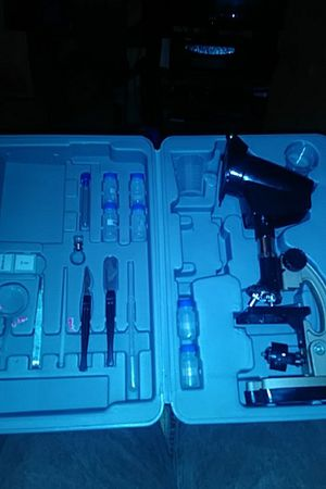 *Re constructes* microscope science kit. for Sale in Warren, MI