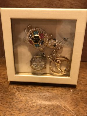 Pretty! Gold Turtle Key Chain with Crystals for Sale in Gainesville, VA