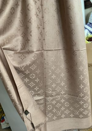 Shawl/ Scarf like new! It is Silk and 6 feet very beautiful for Sale in Beaverton, OR