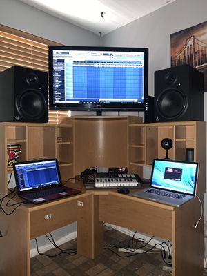 Studio time for Sale in Miami, FL