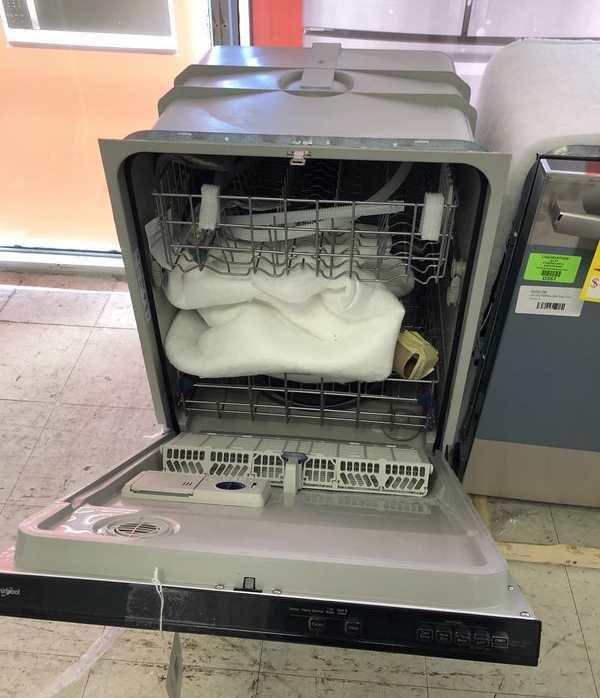 Whirlpool Dishwasher 🍂🙈⏰✔️⚡️🔥😀🍂🙈⏰✔️⚡️🔥😀🍂🙈⏰✔️ Appliance Liquidation!!!!!!!!!!! JA D