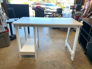 Kids desk with chair for Sale in Fontana, CA
