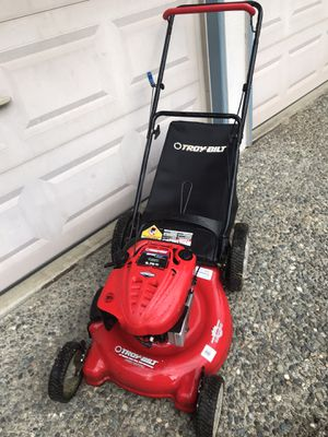 "21"" gas push lawn mower w/bag for Sale in Kirkland, WA"