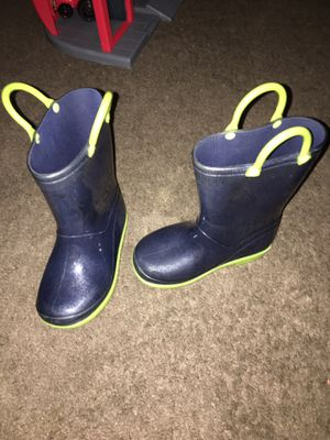 Toddler rain boots size 8 for Sale in Jacksonville, FL