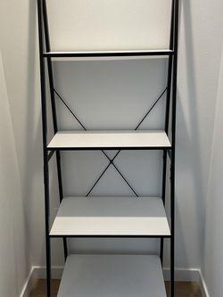4-Shelf Ladder Bookcase 70$ for Sale in Portland,  OR