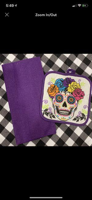 Halloween sugar skull pot holder & towel set for Sale in Covington, LA