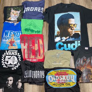 12 t-shirt bundle* men's medium for Sale in Sagle, ID