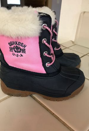 Osh Kosh girls snow boots size 9 for Sale in Rio Linda, CA