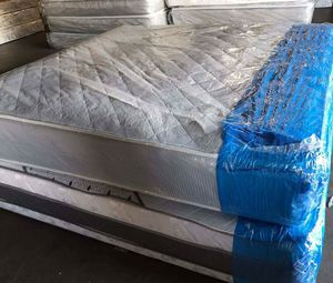 King size bed for Sale in Gaithersburg, MD