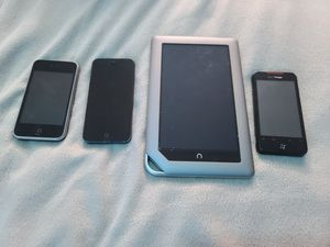 AS-IS Parts Electronic Bundle iPhone 5, iPhone 3G, HTC Droid Incredible and Barnes and noble Nook for Sale in Hillsboro, OR