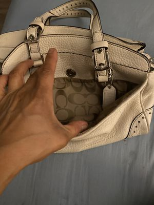 Cream color used coach hand bag for Sale in Culver City, CA