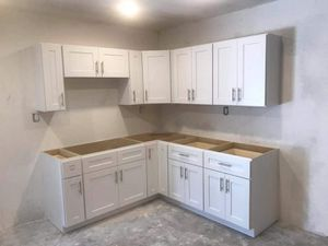 kitchen cabinet white shaker for Sale in Chino, CA