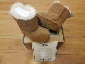 Baby UGG boots size 0/1 for toddler for Sale in Paramount, CA