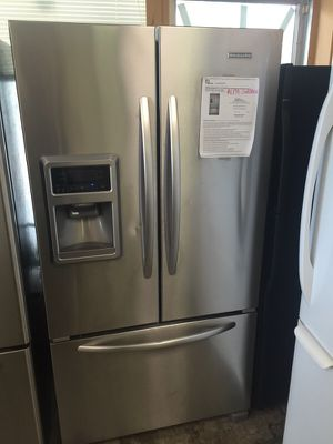 BRAND NEW KITCHEN AID COUNTER DEPTH FRENCH DOOR STAINLESS STEEL WORKS GREAT for Sale in Woodbridge, VA