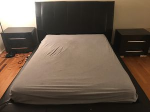 Queen size 7 piece black lacquer bedroom set for sale !!! for Sale in Falls Church, VA