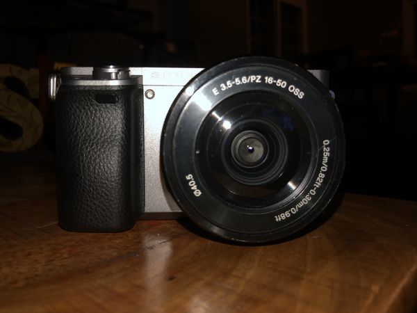 Sony A6000 Mirrorless Camera with 16-50 mm Kit Lens