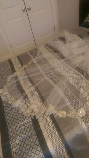 Long beautiful veil for Sale in Fairfax, VA