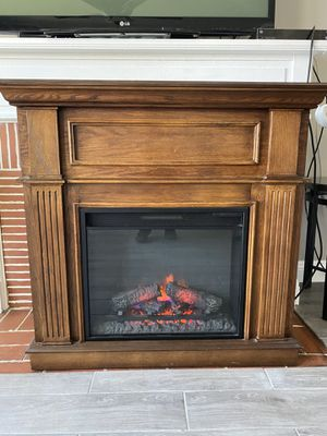 Electric fireplace n heater for Sale in Long Beach, CA