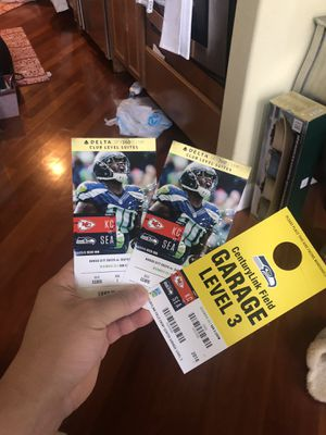CLUB SUITE SEAWHAWKS TICKETS for Sale in Tacoma, WA