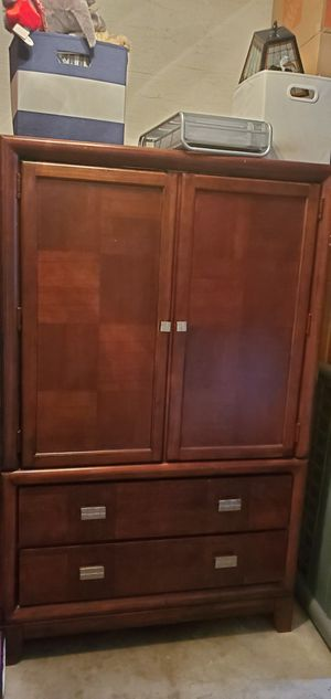 Brown cherry armoire for Sale in Lauderhill, FL