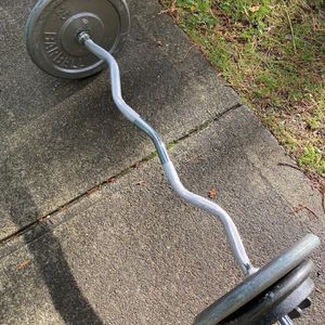 Ez Curl Barbell With 95 Lbs Of Weights for Sale in Snohomish, WA