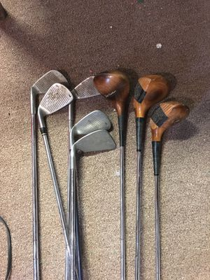 8 golf clubs for Sale in Lakewood, OH