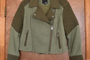 Alana Jacket By Wilfred Free (NEW) for Sale in Brooklyn,  NY