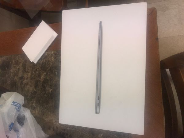 Apple MacBook Air 13.3 Inch