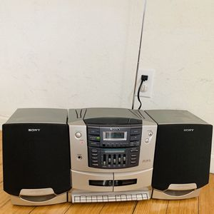 SONY CFD-ZW770 Stereo System Boombox CD/Dual Cassette/ AM/FM Radio TESTED Works Well! for Sale in Henderson, NV