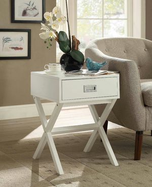 End Table with Drawer for Sale in Fountain Valley, CA