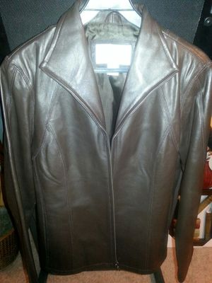 Nine West brown leather jacket, size M, excellent condition, $20 for Sale in Dallas, TX