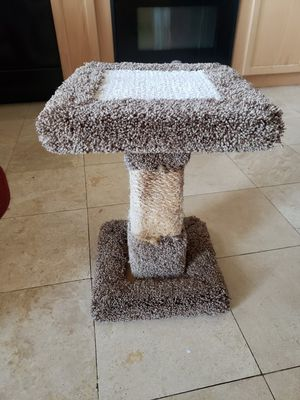 Cat scratching tree for Sale in Sanger, CA