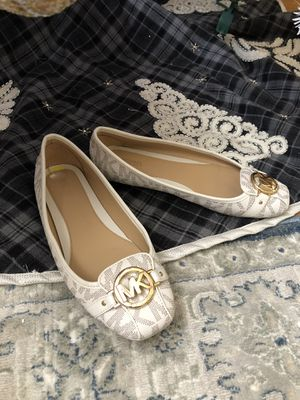Michael kors flats size 9 for Sale in Elmont, NY