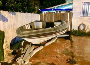 Trophy Bayliner 17 foot Bass Boat & Galvanized Trailer. With Title on hand. Great condition. No motor. Reduced price $700 for Sale in Hialeah, FL