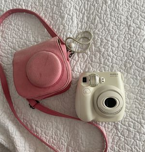 Polaroid Camera - white & Pink camera pouch for Sale in Mesquite, TX