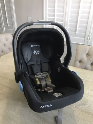 UppaBaby Mesa Car Seat and TWO bases for Sale in Opa-locka, FL