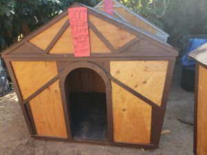 medium size dog houses for sale for Sale in Corona, CA