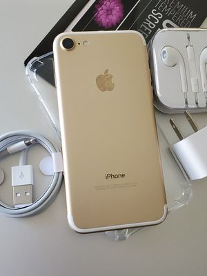 iphone 7 32GB Clean Unlocked Metro T-Mobile AT&T Cricket Sprint Boost Mobile Verizon Telcel Gold for Sale in Montebello, CA